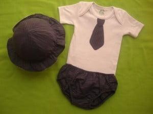 Body com gravata para futuros executivos