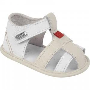 Sandálias para bebês ficarem fresquinhos e arrumados
