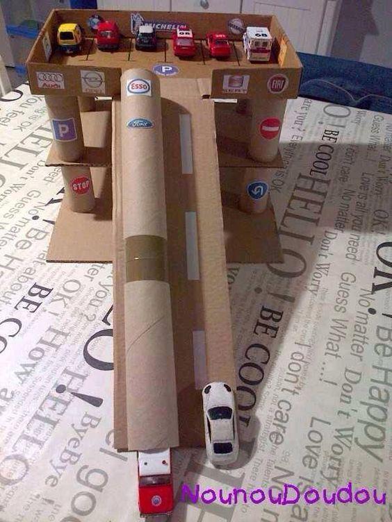 10 ideias de garagem de carrinho para fazer com papel o m e de menino. Black Bedroom Furniture Sets. Home Design Ideas
