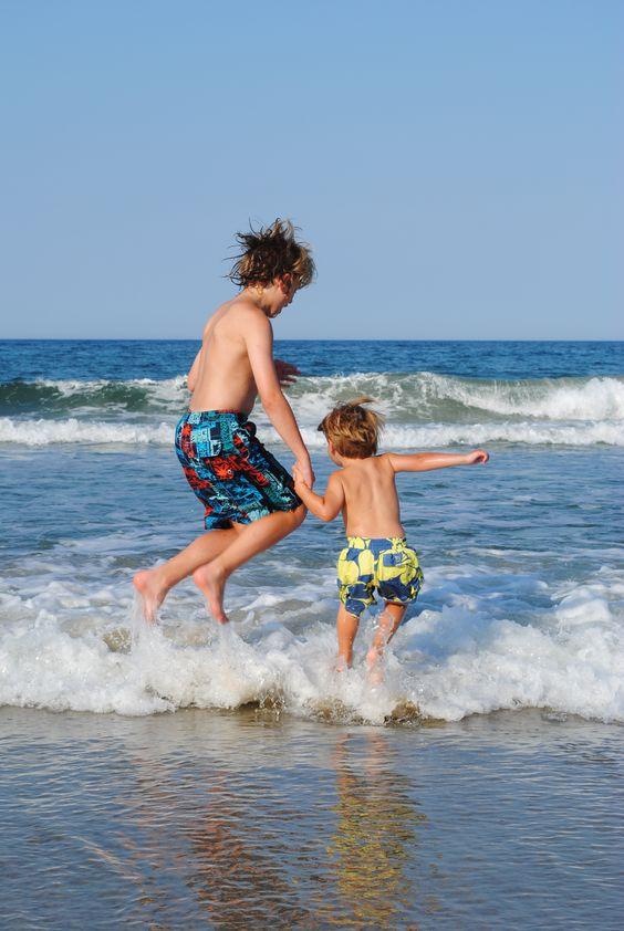 foto de irmãos na praia