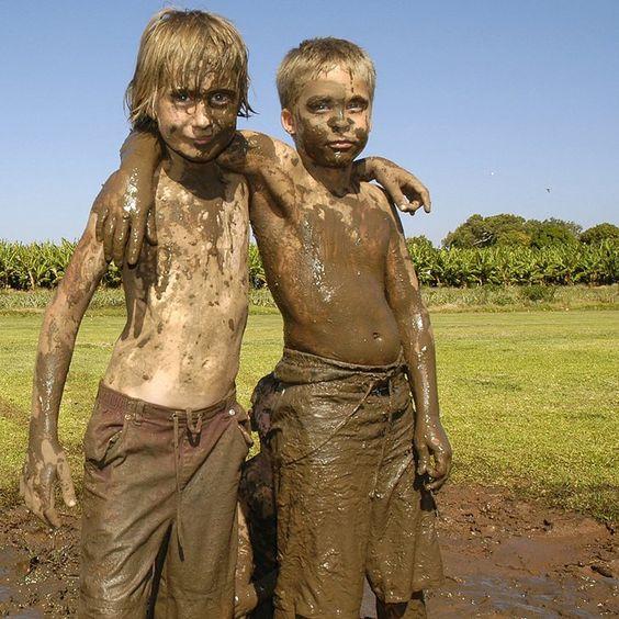 irmãos na lama