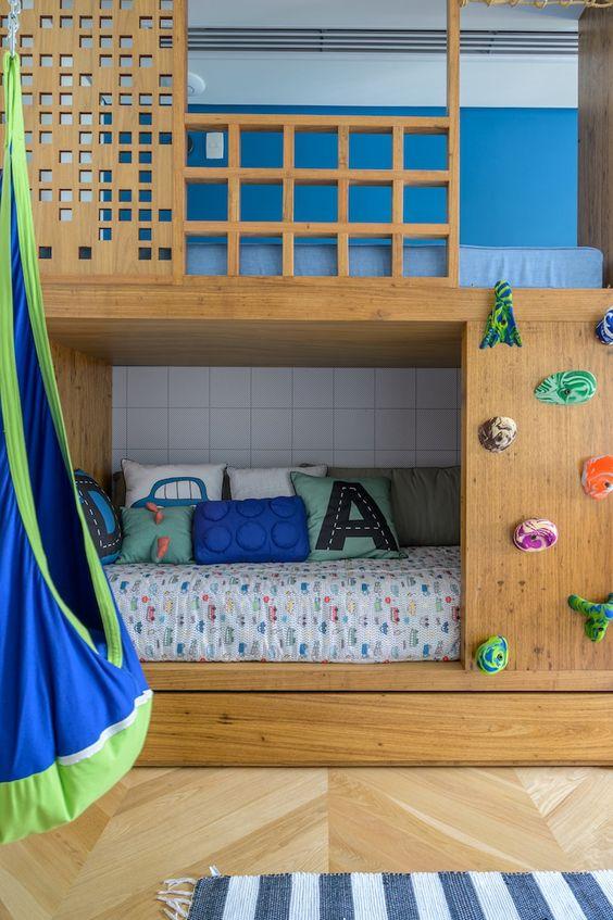 cama com escalada