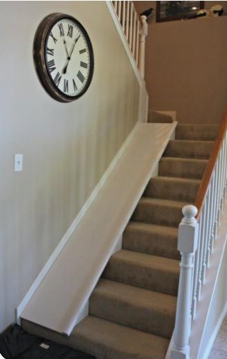 escorrega ao lado da escada
